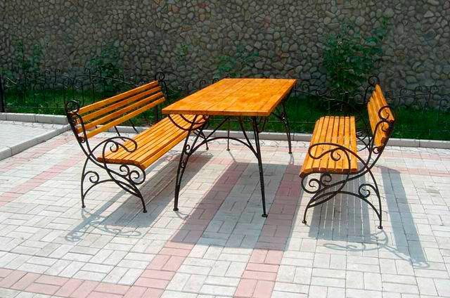 красивые металлические скамейки